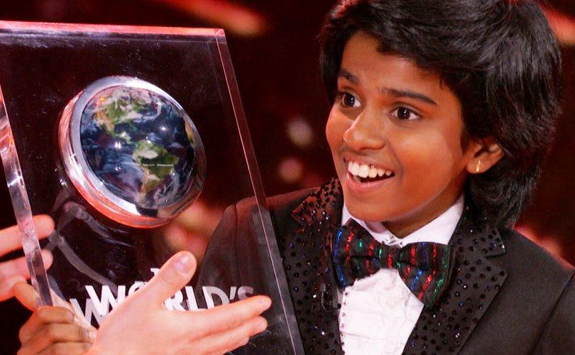 12 настай Энэтхэг хүү нэг сая долларын эзэн боллоо